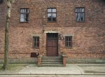 800px-Auschwitz_Mengele_Block_10